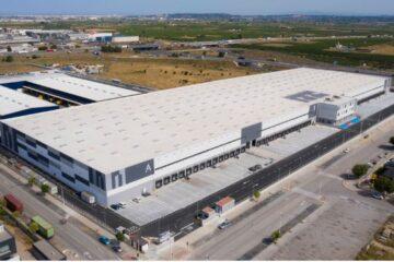 Edificación industrial de almacenamiento. Área logística MERLIN PROPERTIES.